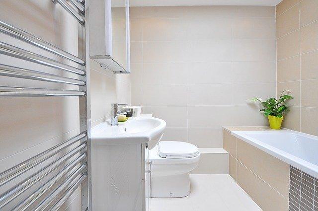 6 mẹo đơn giản để giữ cho phòng tắm của bạn sạch sẽ và lấp lánh