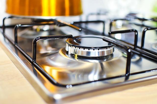 Cách sử dụng chất tẩy nhờn để làm sạch vết bẩn
